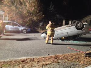 Overturned vehicle crash Villas