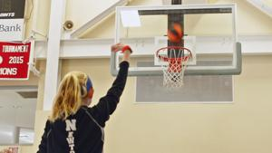 Knights Hold Free Throw Contest