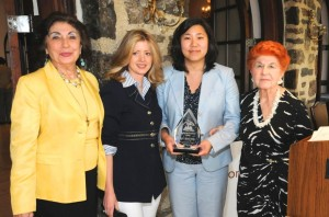 Top leaders among women are honored 2