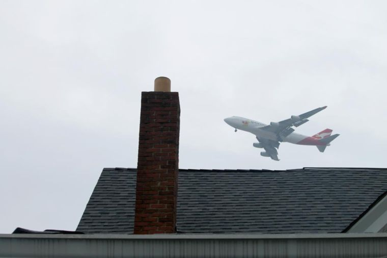 For some, rain makes the planes come low 1