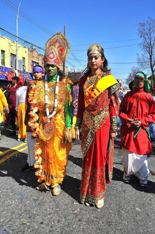 Holy holi! Parade draws thousands