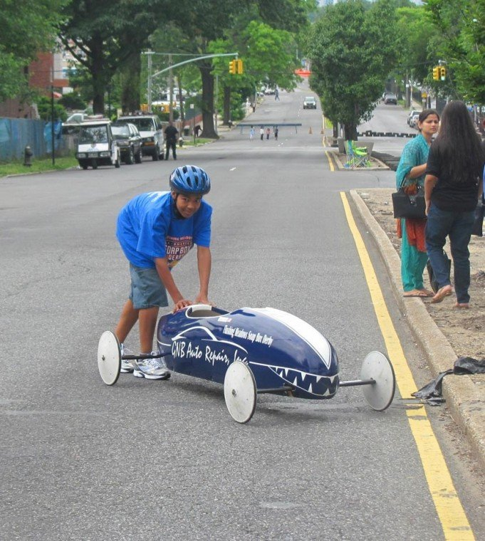 Soap Box Derby races through Elmhurst