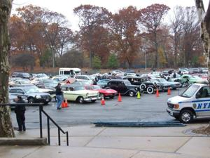 Car club delivers gifts to ill children 2
