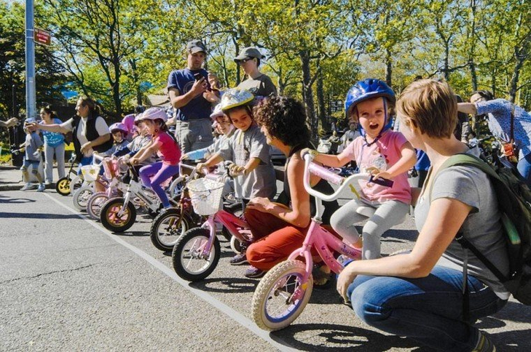 Astoria Civic's youth bike race rolls
