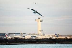 Manhattan man held for JFK bomb threats 1
