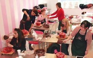 Decorating classes yield 'Desirable' cakes 1
