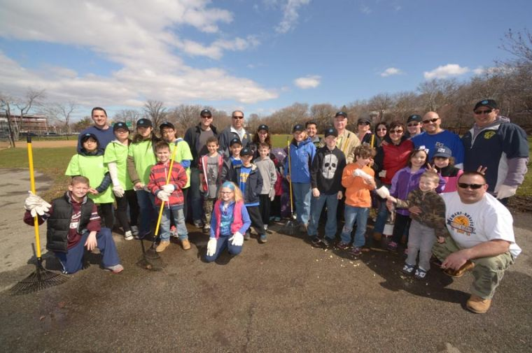 Little League cleans park 1