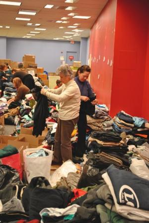 Crowley, Shops at Atlas Park team up for Hurricane Sandy relief effort 1