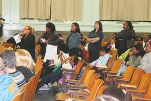 PS 124 parents want shelter gone 1