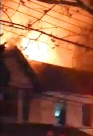 Tenant set fire in Woodhaven: FDNY 1