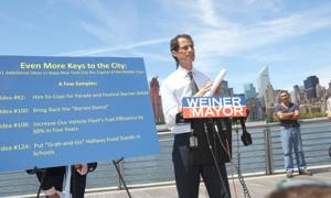 Weiner in LIC to talk middle class 1