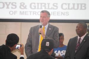 Mayor, in Richmond Hill, touts afterschool 1
