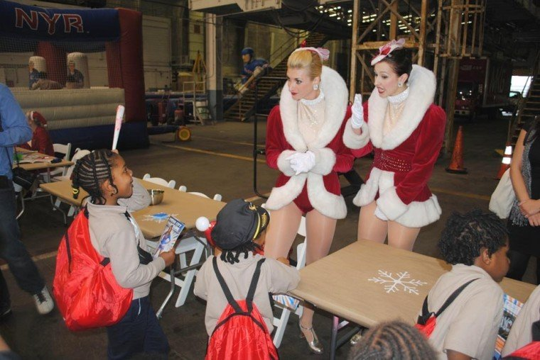 Holiday Hangar Rockettes