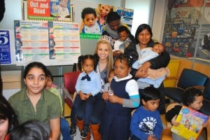 Beauty queen reads to kids in pediatric ward  1