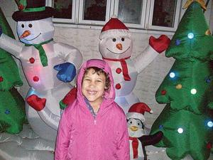 Enter our Fifth Annual Holiday Photo Contest! 2