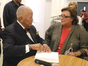 Dinkins greets fans of politics and tennis 1