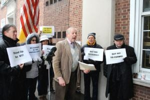 Republicans gather to protest Cuomo 1