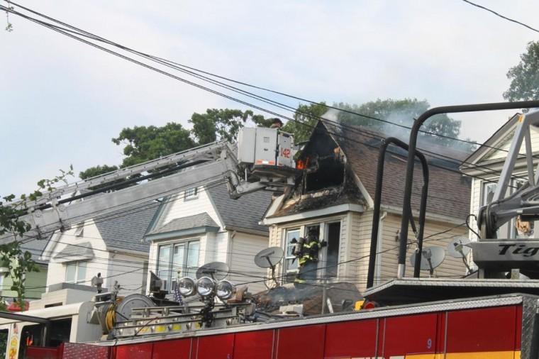 16 hurt as blaze guts three homes