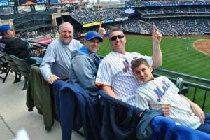 Mets, fans welcome each other home