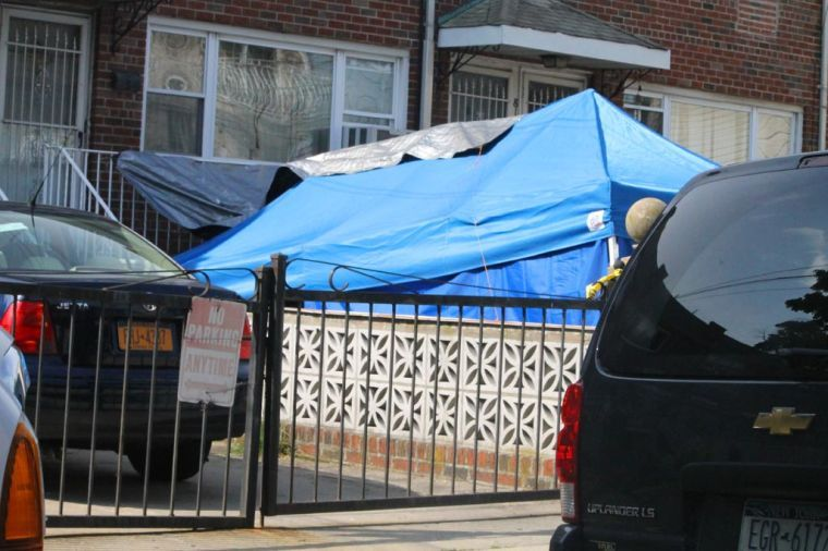 FBI at mobster Jimmy Burke kin's Ozone Park home