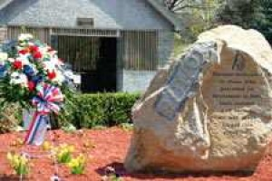 Monument In Middle Village Pays Tribute To 9-11 Victims