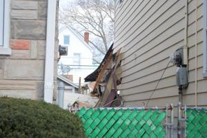 House explodes on Thanksgiving Day 1