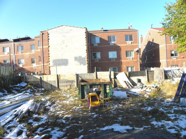 Activists want site in Maspeth cleaned up 1