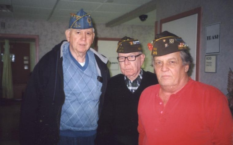 Veterans visit care center 2