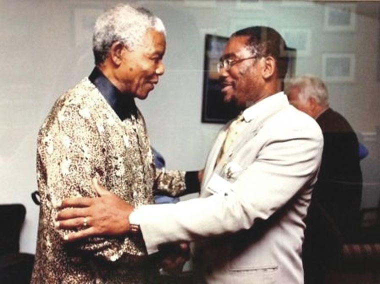 Mandela hailed as a hero and a healer 1