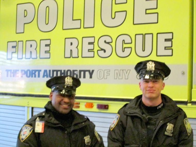 PA cops save woman at LGA 1