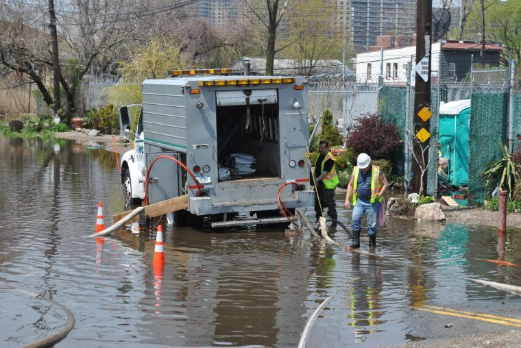 Storm floods hundreds in Lindenwood section of Howard Beach
