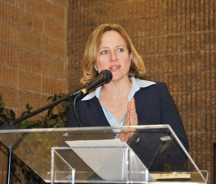 Katz talks schools, budgets at CB 12 1