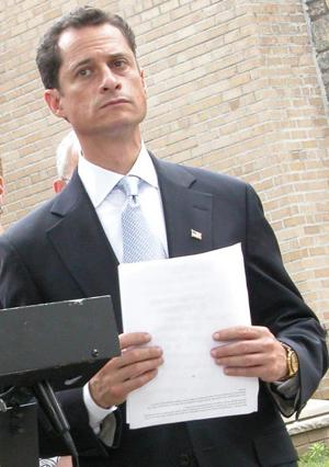 Congressman Weiner expected to resign at 2 p.m.