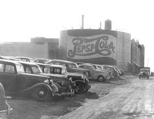 Pepsi-Cola and the sign it left behind in LIC 1