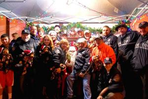 Glendale children visit with Santa at tree lighting  2