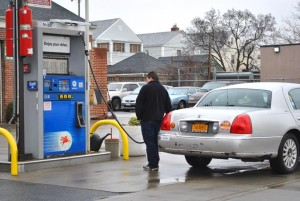 Queens drivers paying more at the gas pump 1
