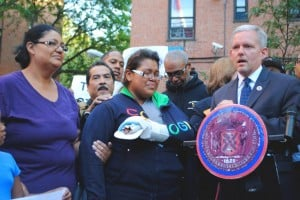 Queensbridge rallies for Amy, against guns 1