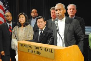Pols, clergy sign pledge of tolerance in Flushing 1