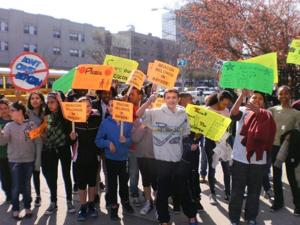 Hundreds rally for after-school funding