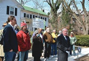 Historic district renews old fights 1
