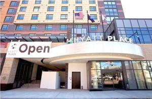 New Flushing hotel opens 1