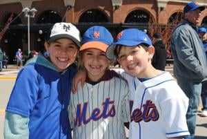 Queenswide: Mets in first place