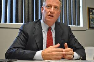 Mayor de Blasio announces agreement on stop-and-frisk case