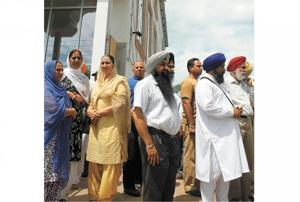 Local Sikhs shocked by temple massacre 1