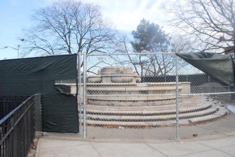 Katz seeks change for former statue site 1