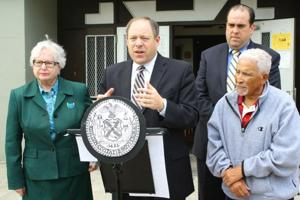 Officials criticize NYCHA, downsizing 1