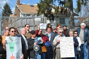 Civics join forces to oppose building 1