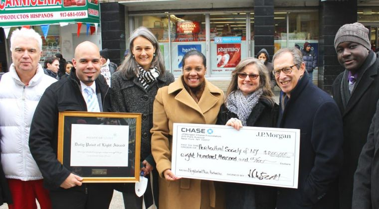 Chase donates to plazas 1