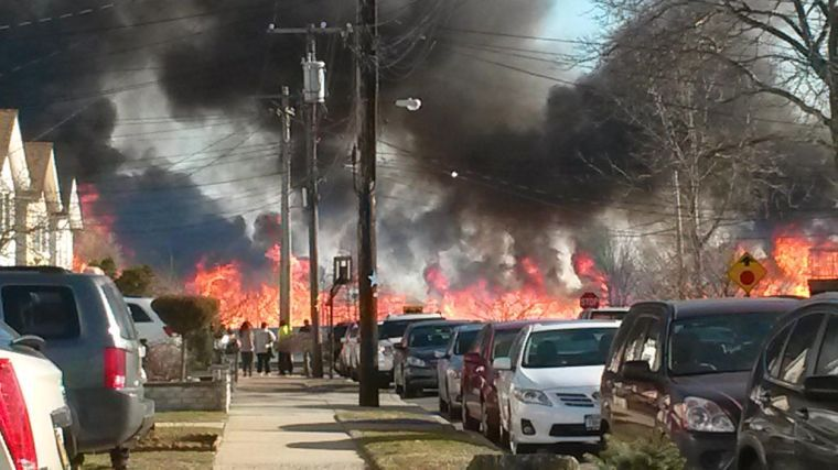 Massive Howard Beach brush fire burns Spring Creek Park