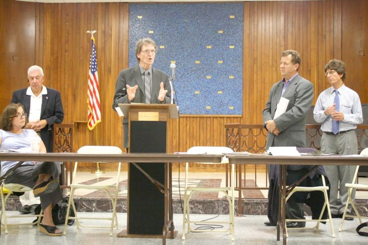 Community Board 5 votes against rezoning 1